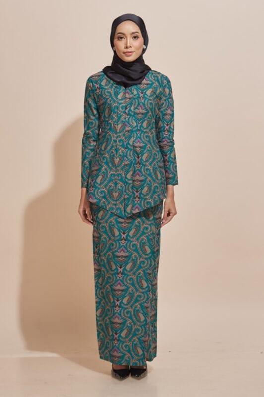 Habra Haute Kara Kebaya Batik Kebaya Moden Kebaya Modern Baju Kurung Batik Baju Kebaya Malaysia Batik Indonesia Batik Malaysia Raya Koleksi Raya 2019 KR50