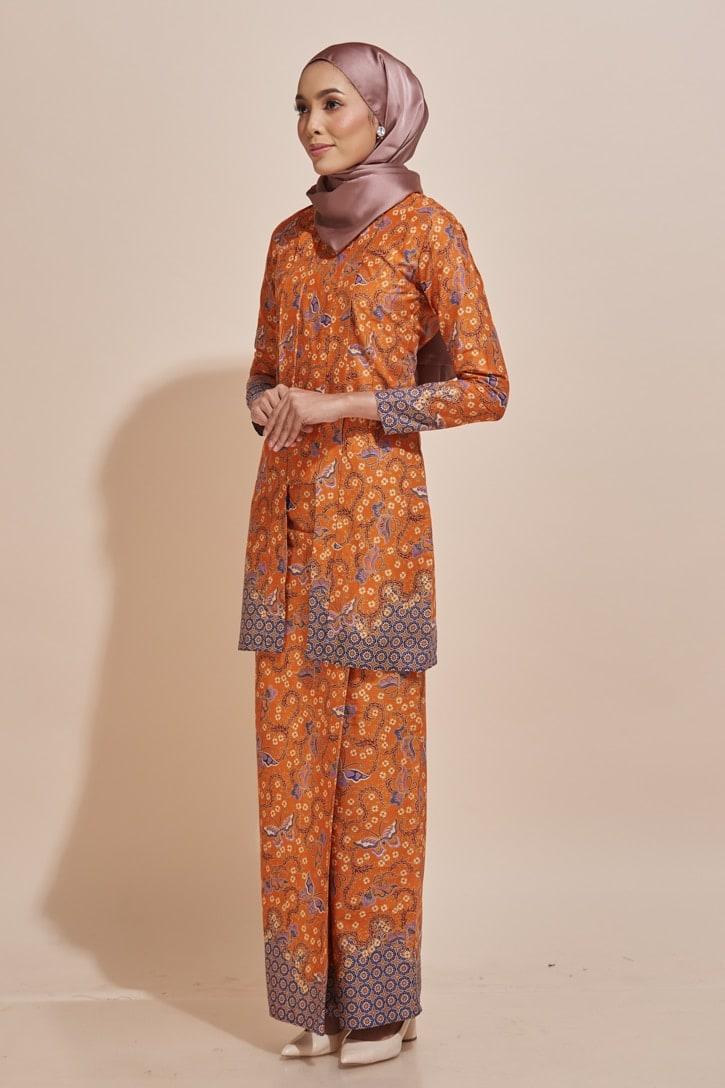 Habra Haute Kyna Kutu Baru Kebaya Batik Kebaya Moden Kebaya Modern Baju Kurung Batik Baju Kebaya Malaysia Batik Indonesia Batik Malaysia Raya Koleksi Raya 2019 KY01