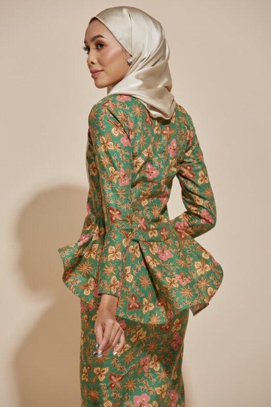 HABRA Haute Baju Kebaya Malaysia Moden Kebaya Kain Batik Baju Kebaya Nyonya Baju Kebaya Labuh Kebaya Batik Cotton Kebaya Kembang Kebaya Peplum Baju Kurung Moden Kaisara Kebaya - K30