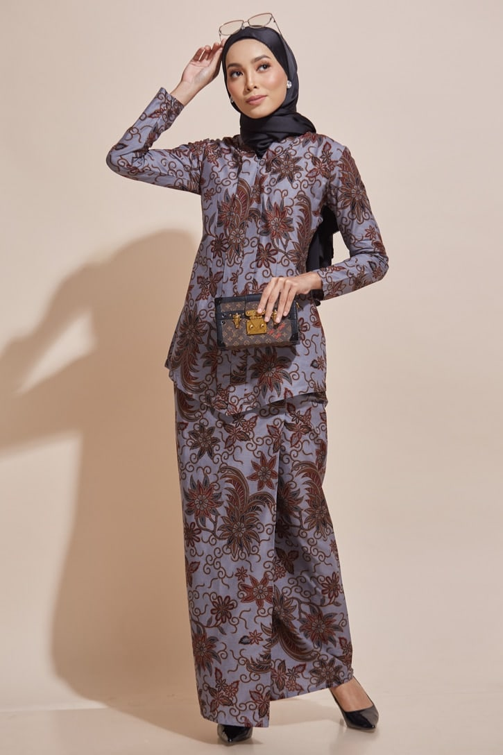 habra haute kebaya nyonya kebaya batik malaysia indonesia batik cotton kebaya moden kebaya peplum kebaya batik jawa kebaya batik modern kebaya batik 2019 kara kebaya batik kr69