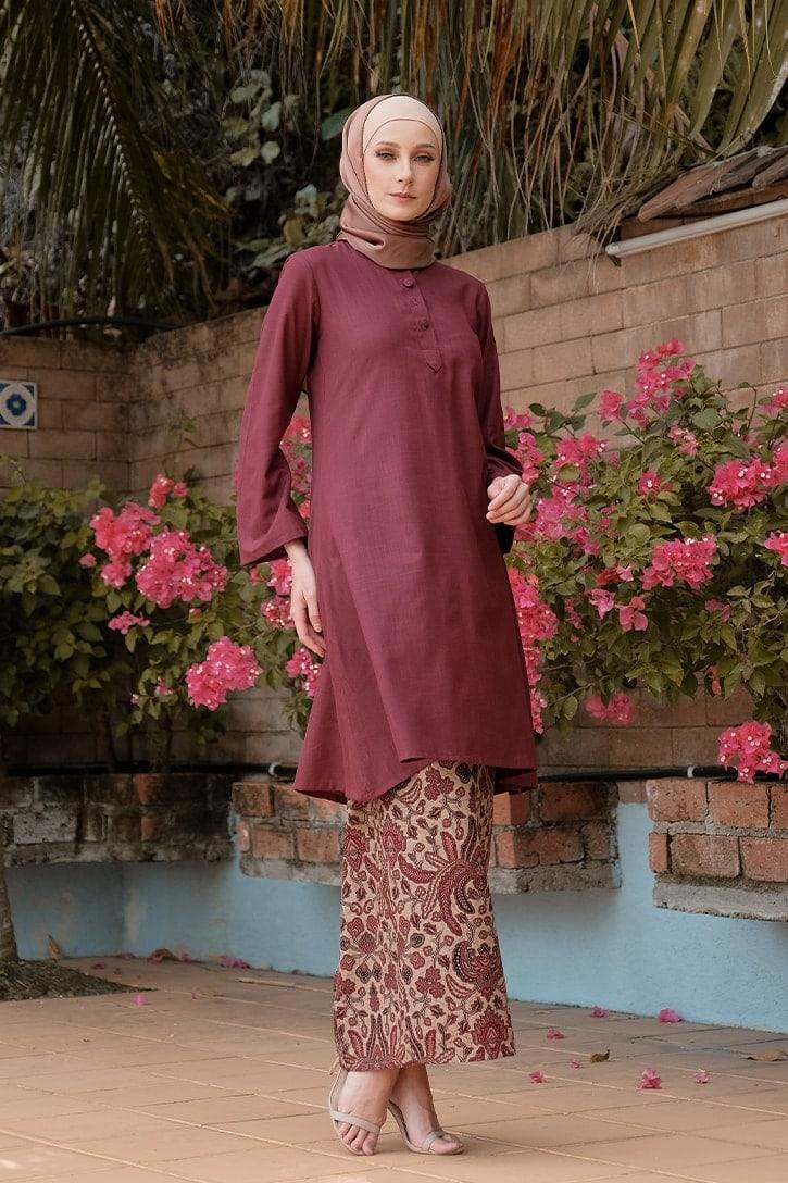 KD08 baju kurung pahang baju kurung cekak musang baju kurung batik baju kurung moden baju kurung labuh maroon merah kadija habra haute