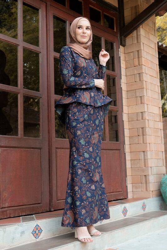 KS103 habra haute kebaya batik kebaya peplum kebaya pendek batik malaysia indonesia kebaya moden kebaya biru