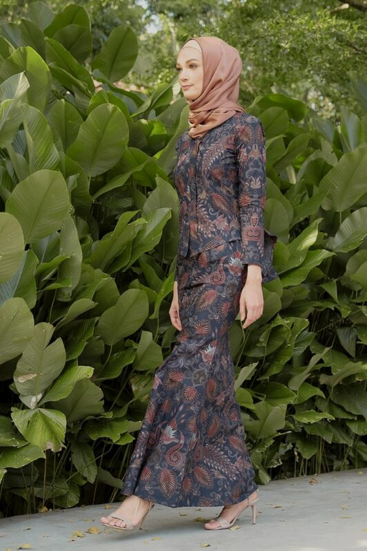 KS107 habra haute kebaya batik kebaya peplum kebaya pendek batik malaysia indonesia kebaya moden kebaya biru