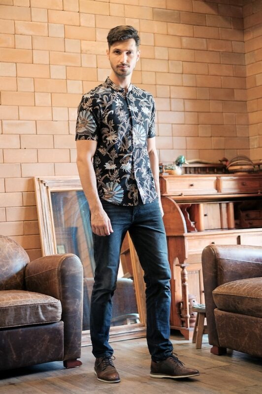 ML04 kemeja batik cekak musang kemeja lelaki batik sedondon raya 2020 batik malaysia indonesia kemeja hitam
