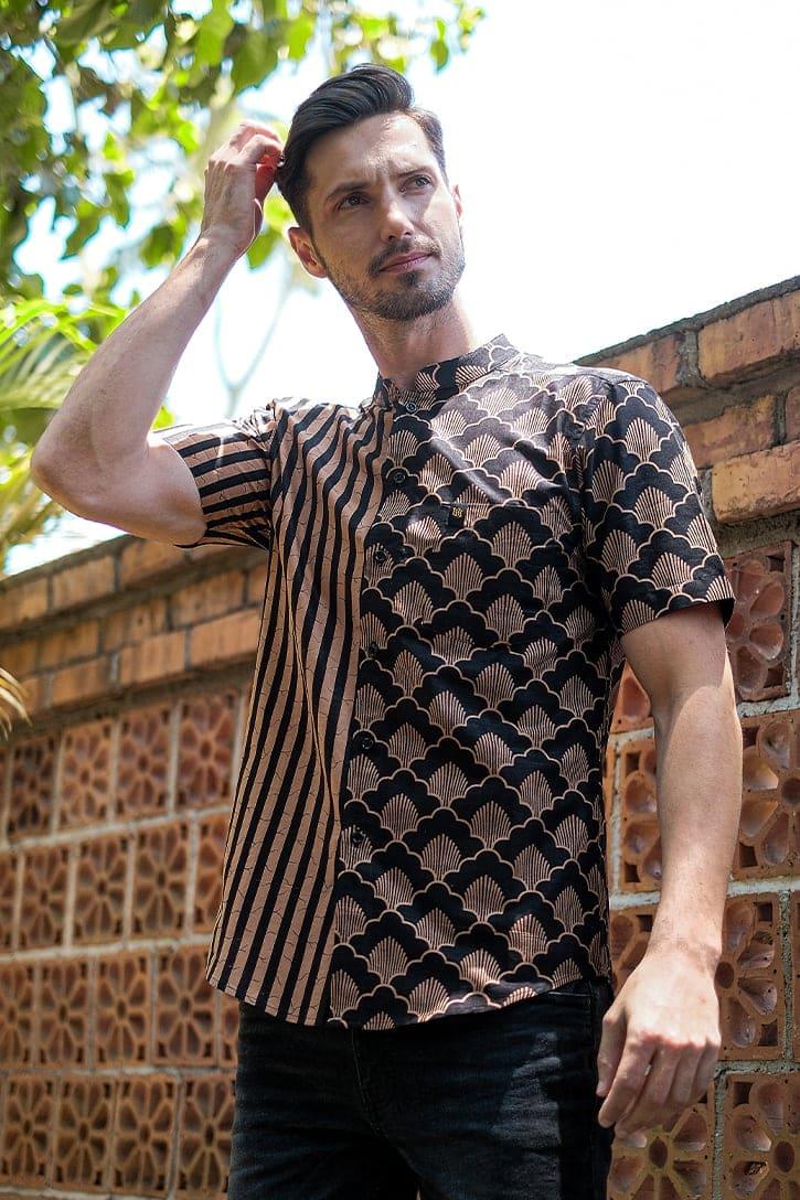 MLS02 kemeja batik cekak musang kemeja lelaki batik sedondon raya 2020 batik malaysia indonesia kemeja hitam emas